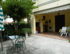 Villetta piano terra ampio giardino privato 25 agosto – 1 settembre euro 370